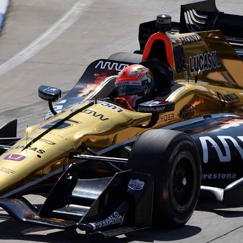 James Hinchcliffe enteres Turn 1 during IndyCar qualifying at the 2016 Chevrolet Detroit Belle Isle Grand Prix in Detroit, MI, on 3 June 2016. Nikon D5500 f7.1, 1/800, 100 ISO, 330mm.